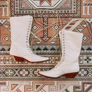 vintage | circles brand | leather lace up boots